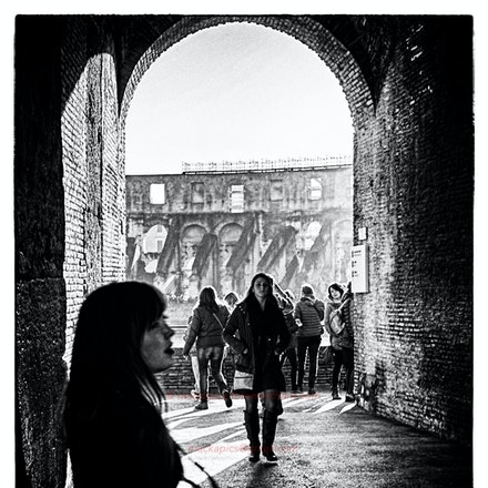 'Street photography' in the Coliseum