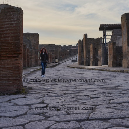 Street-photography in Pompeii