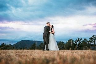 wedding ~ Dan & Tinika - Clandulla Cottages Wedding ~ June 2018