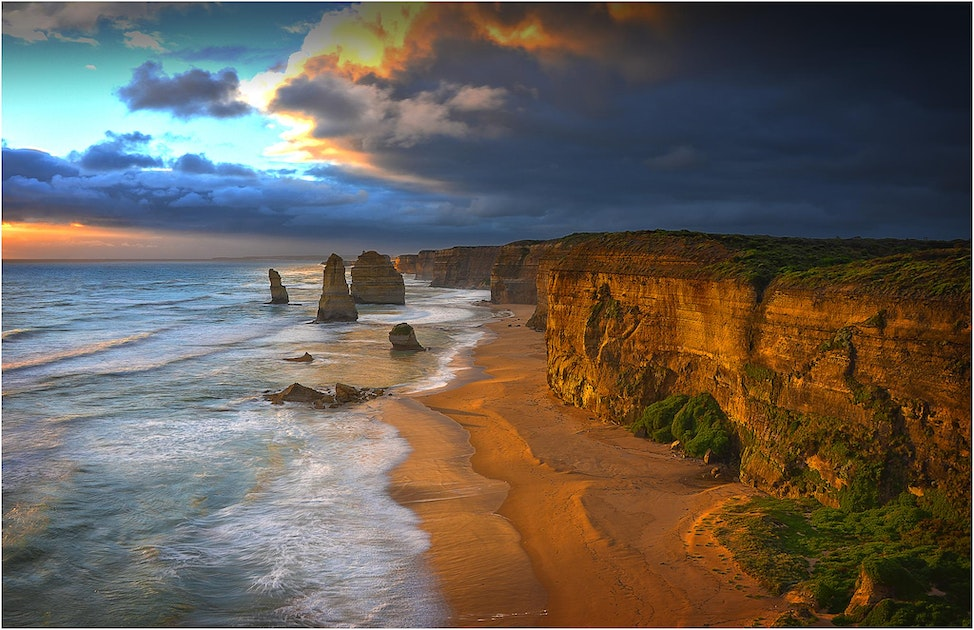 Twelve-Apostles-Shipwreck-Coast-VIC0202-11x17