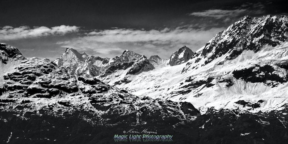 Glacier Bay 23 May 2015 IMG_3650 1500 Panorama BW