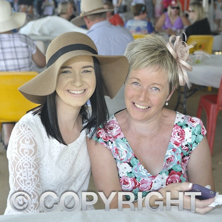 151024_SR23414 - Chloe and Lynette Baker at the Isisford Races, Saturday October 24, 2015.  sr/Photo by Sam Rutherford