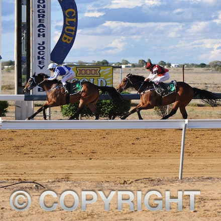 100925_SR1_8263 - at the Longreach Races, Saturday September 25, 2010.  sr/Photo by Sam Rutherford.