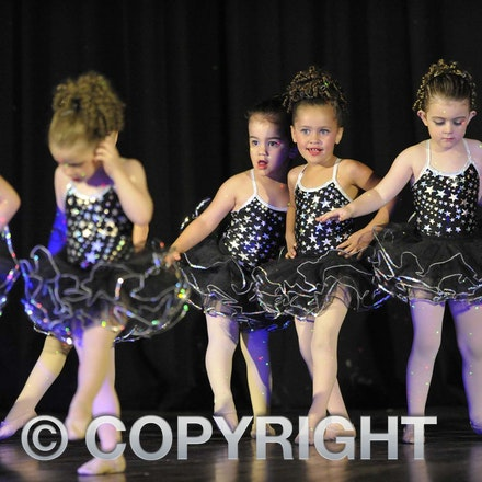 161112_SR23139 - Longreach School of Dance production of Wonka, Saturday November 12, 2016